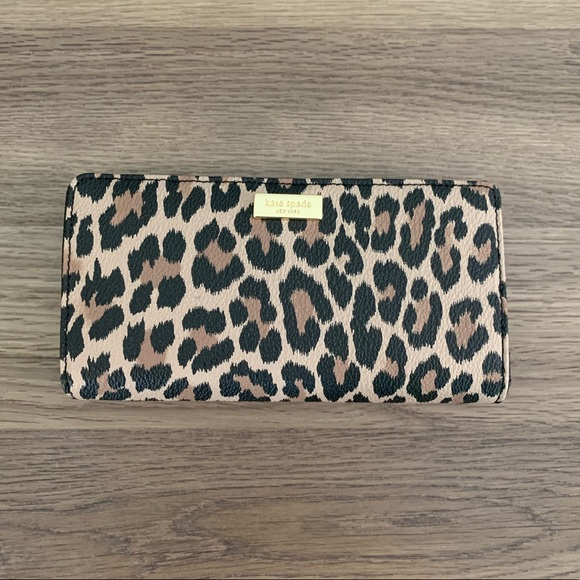 kate spade Handbags - NWT Kate Spade Shore Street Leopard Stacy Wallet
